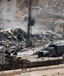 الاحتلال يهدم منزلا في صور باهر