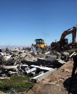 """قوات الاحتلال تهدم قرية """"العراقيب"""" للمرة الـ 185"""