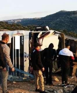 وفاة مواطن جراء انقلاب شاحنة غرب رام الله