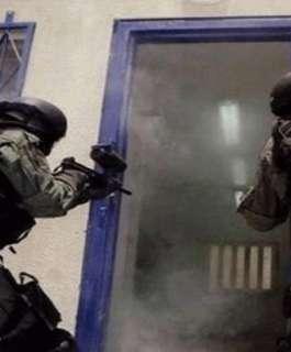 """قوات القمع تقتحم قسمي (3) و(7) في """"ريمون"""" وتعتدي على الأسرى بوحشية"""