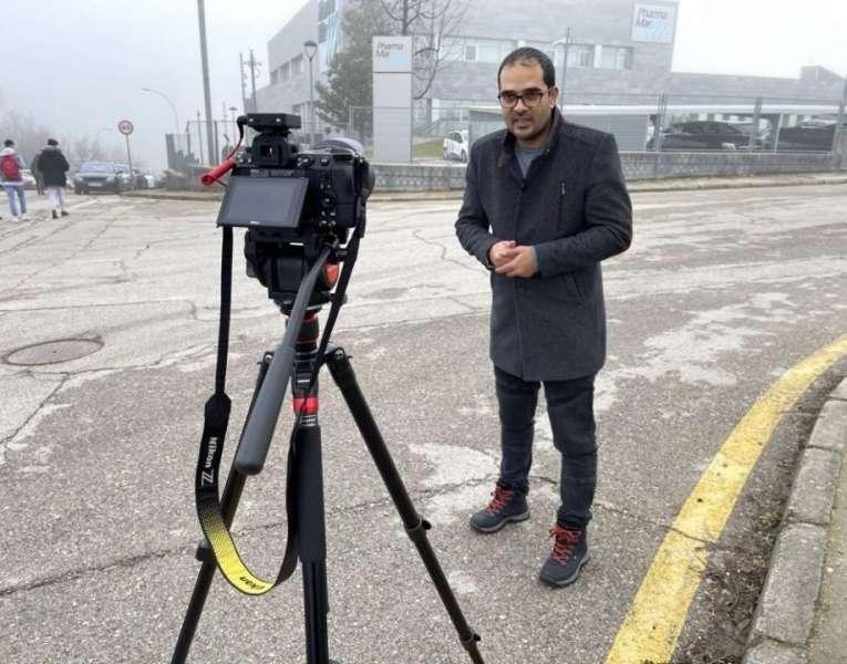 """""""الموساد"""" يخضع صحفي فلسطيني لتحقيق بمقر أمني في إسبانيا"""