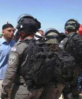 الاحتلال يعتقل 11 مواطنا من الضفة بينهم أسرى محررون