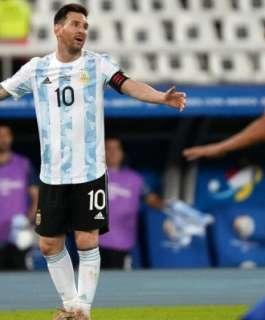 ميسي: افتقرنا للسيطرة على الكرة أمام تشيلي