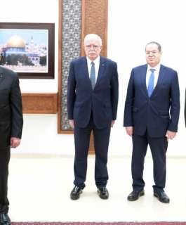 الرئيس يتقبل أوراق اعتماد عدد من السفراء المعتمدين لدى دولة فلسطين