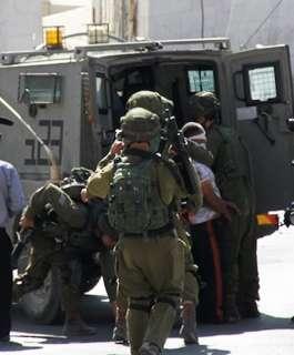 الاحتلال يعتقل سبعة مواطنين من الضفة