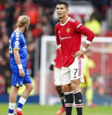 كريستيانو يطالب فريقه بالتعاقد مع نجم يوفنتوس